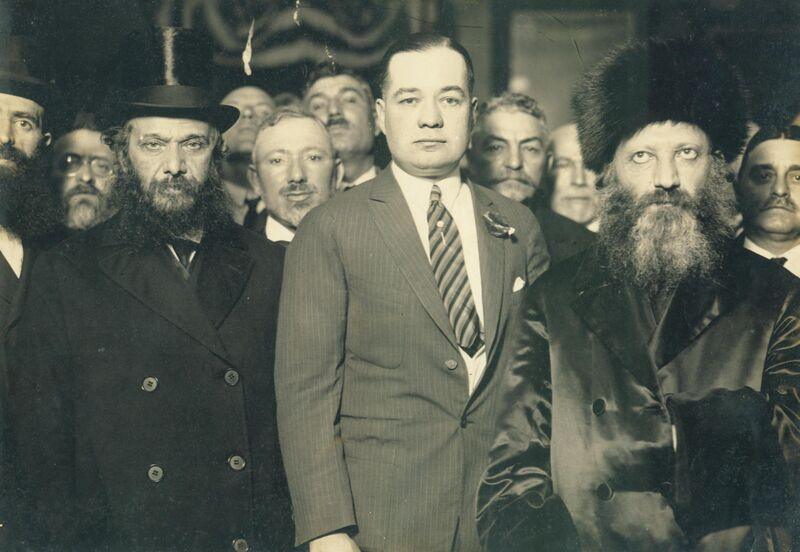 Datei:Abraham Isaac Kook with the mayor of New York.jpg